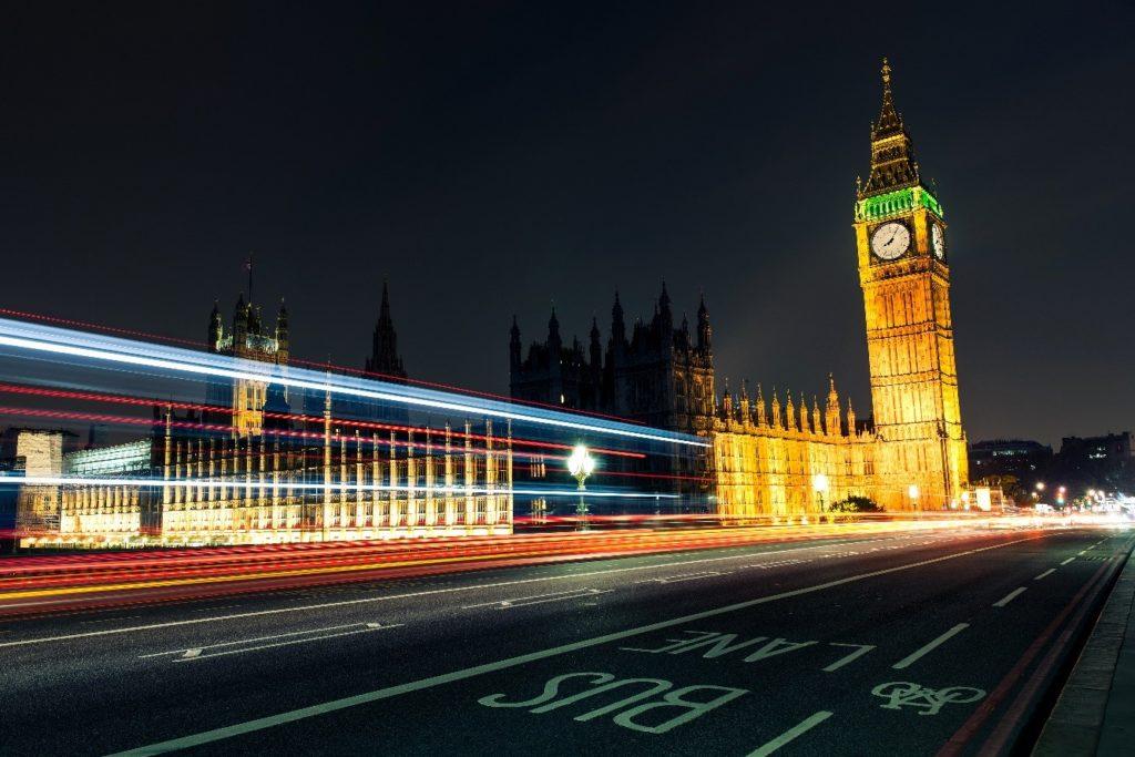 Taxation et délocalisation au Royaume-Uni.